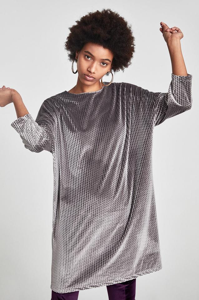 Aksamitna sukienka w romby