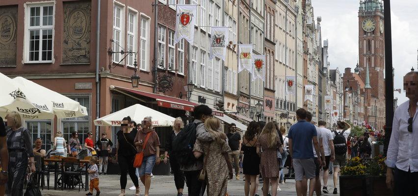 """Tak Polacy spędzali długi weekend. Trójmiasto oblężone przez turystów. """"Zjechało tu chyba z pół Polski""""[ZDJĘCIA]"""