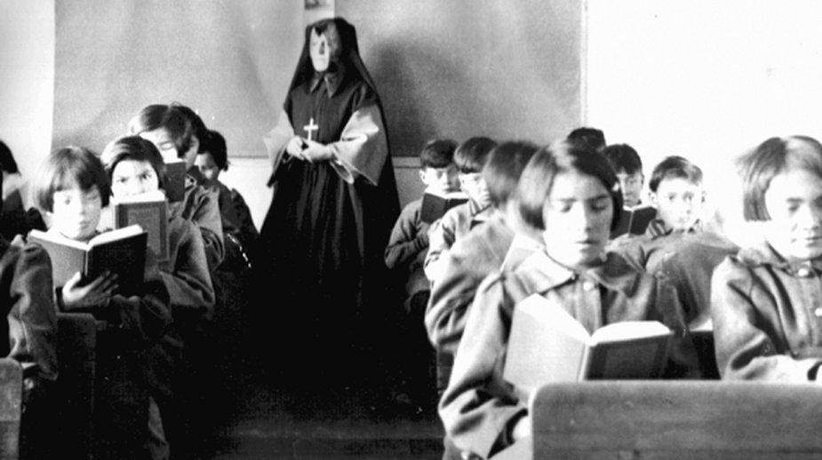 Szkoła Św. Anny w Fort Albany