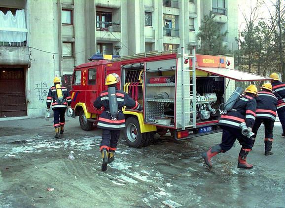 Osobe koje prijavljuju požare u 87 odsto slučajeva zbog panike i stresa ne daju potpune informacije: Vatrogasci u akciji