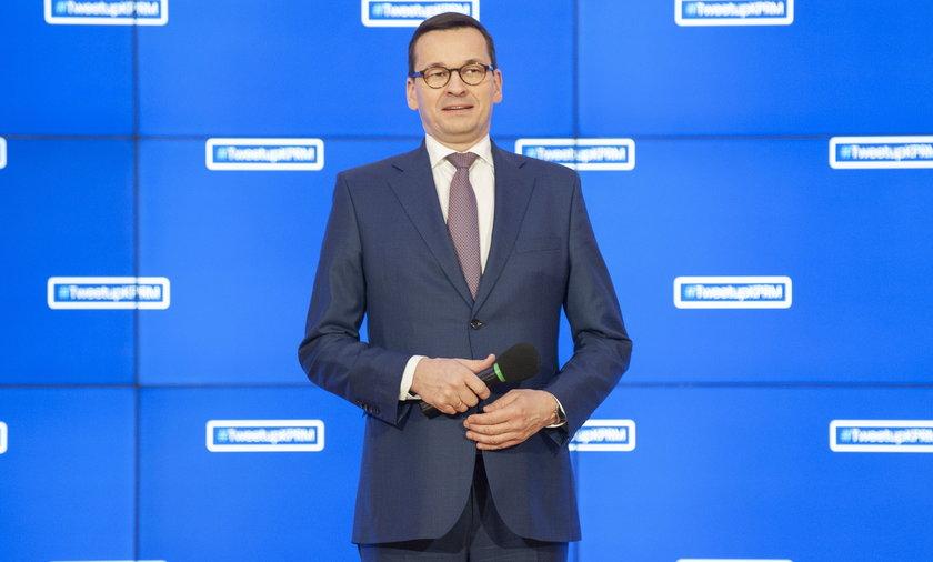 Premier Mateusz Morawiecki zatrudni w Kancelarii nowych pracowników z pensjami wynoszącymi nawet 16 tysięcy złotych.