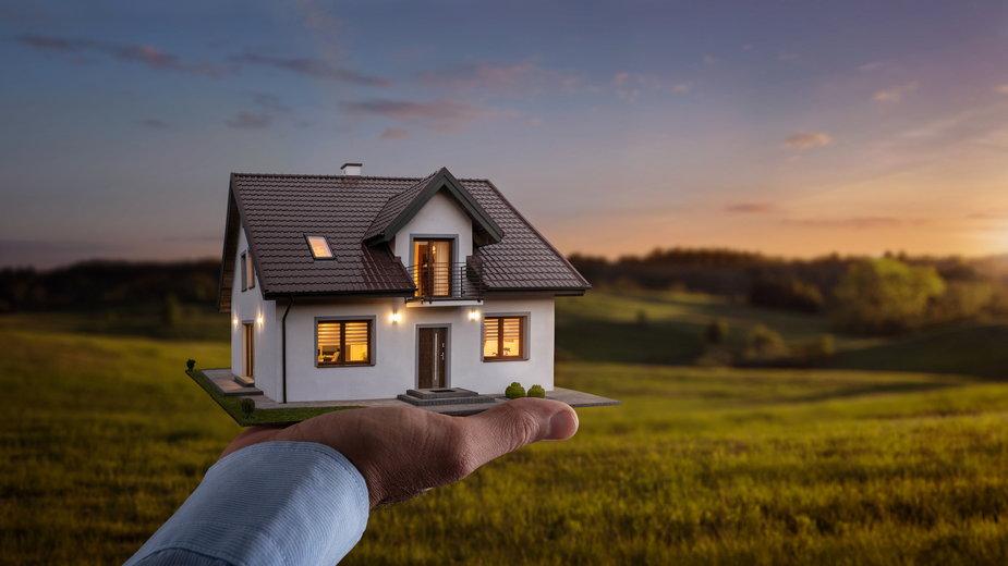 Budowa domu na działce rolnej