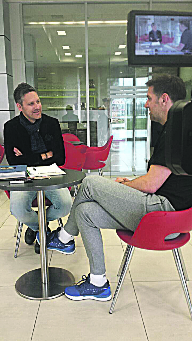 Nebojša Petrović u razgovoru sa selektorom Srbije, Mladenom Krstajićem