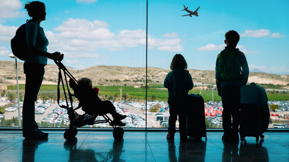 Długie kolejki na lotniskach. Samolot znów odleciał bez pasażerów