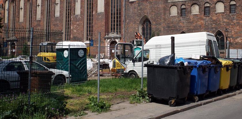 Po interwencji Faktu śmieci zniknęły z centrum Gdańska!