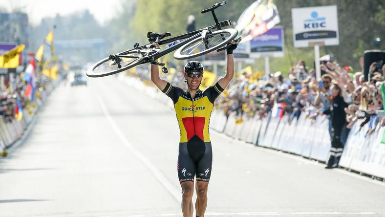 """101. edycja wyścigu - zwanego często """"Piekłem Północy"""" z uwagi na trasę prowadzącą wąskimi, często brukowanymi dróżkami, z licznymi podjazdami - prowadziła z Antwerpii do Oudenaarde i liczyła 260 km. Gilbert, mistrz Belgii, zaatakował już ponad 55 km przed metą i samotnie prowadził do końca, mijając niezagrożony linię mety."""