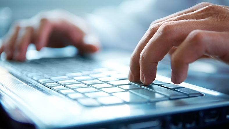 W lipcu doposażono szkoły o kierunkach informatycznych sprzętem komputerowym wartym 140 tys. zł