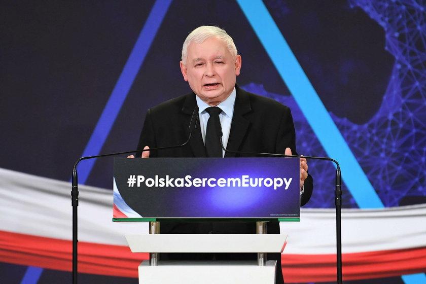 Mocne słowa Biedronia o  Kaczyńskim. Przesadził?