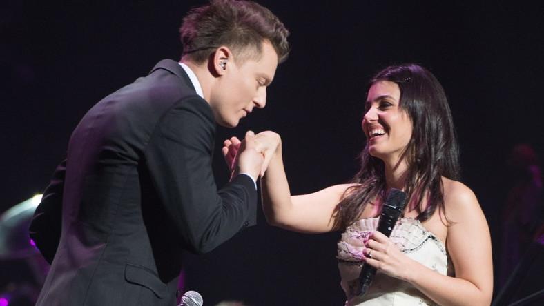 """Do Polski show """"Night of the Proms – Classic Meets Pop"""" przyjechał już po raz drugi. Główną gwiazdą imprezy była Katie Melua. Obok niej w Atlas Arenie wystąpili: Kim Wilde, Mark King z Level 42, John Miles, Tony Henry, Kombii i Rafał Brzozowski"""