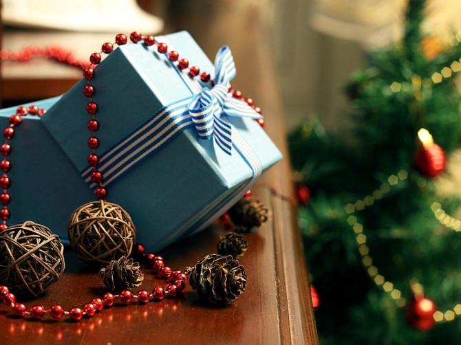 Bliži se Nova godina, obradujte najbliže i zapakujte poklone na ORIGINALAN NAČIN