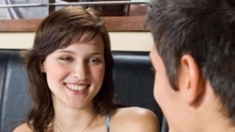 randevú sokkal fiatalabb emberhogyan lehet visszatérni a randevúzás helyszínére szakítás után