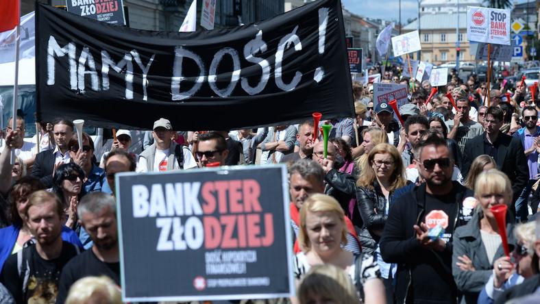 Manifestacja frankowiczów w 2016 r.