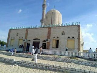Egipt: W zamachu na meczet na Synaju zginęło 305 osób