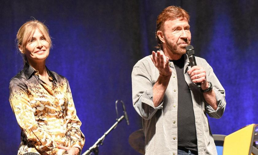 Chuck Norris pozywa 11 koncernów farmaceutycznych
