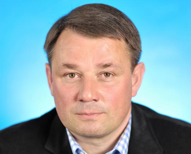 prof. UAM, dr hab. Eryk Kosiński, Zakład Publicznego Prawa Gospodarczego WPiA Uniwersytetu im. Adama Mickiewicza.