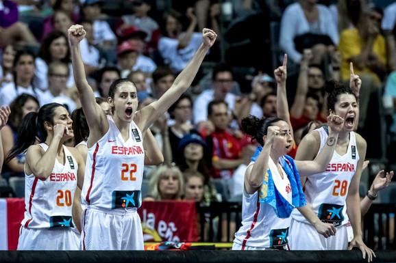Radost košarkašica Španije