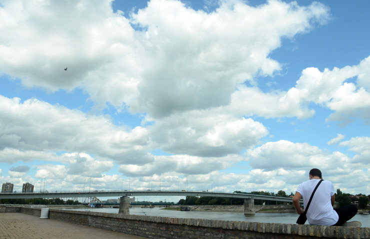 varadinski most Novi Sad617 Objektiv oblaci iznad grada Kej Dunav Varadinski most foto Nenad Mihajlovic