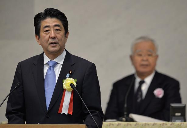 Premier Japonii Shinzo Abe EPA/FRANCK ROBICHON