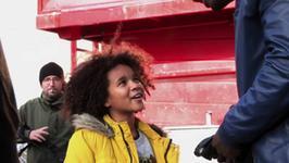 """""""Jutro będziemy szczęśliwi"""": twórcy o pracy z dziecięcą aktorką Glorią Colston"""
