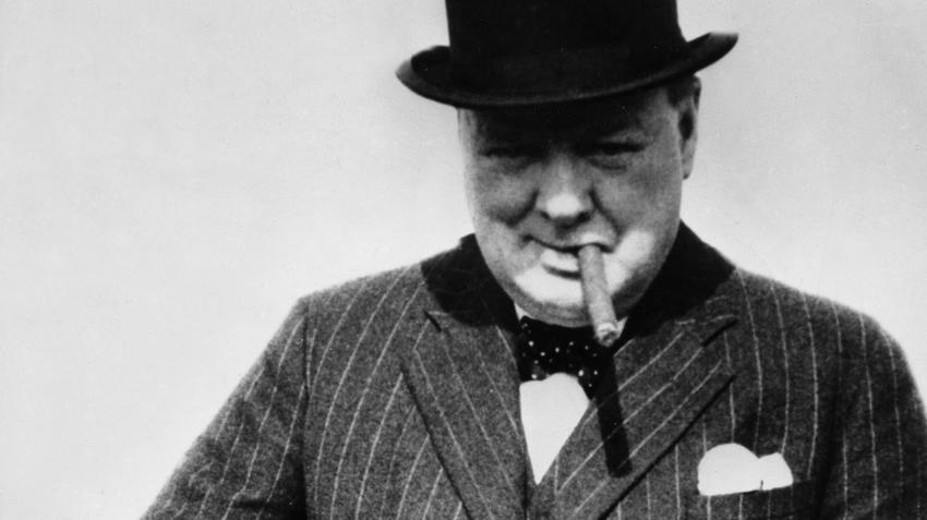 Był alkoholikiem i premierem. Dzięki Whiskey stawał się czujny