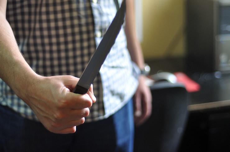 nož napad
