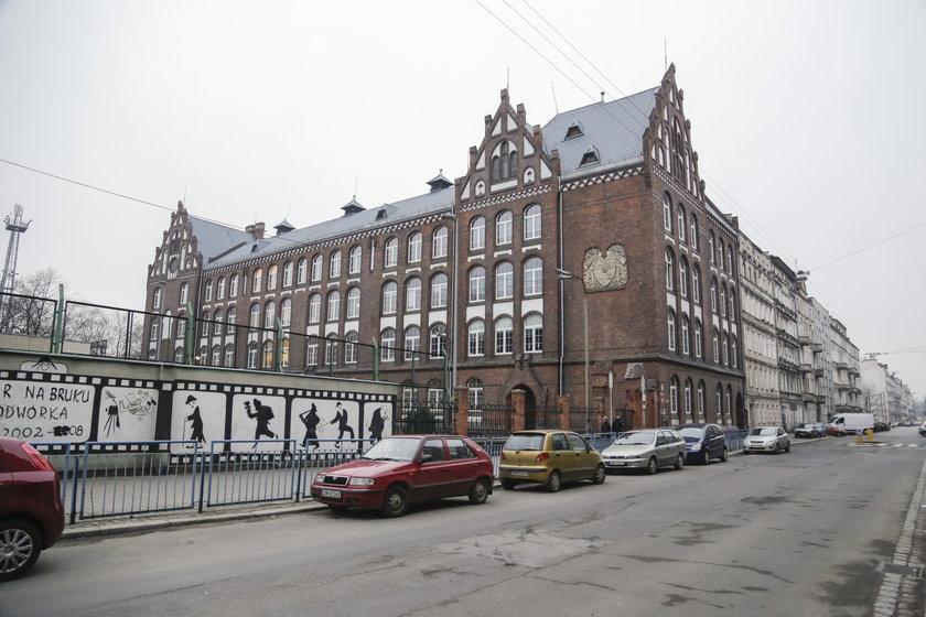 Szkoła postawowa przy Kleczkowskiej we Wrocławiu