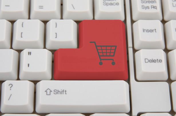 Prawo gwarantuje kupującemu towary na odległość, że w przypadku, gdy zechce odstąpić od umowy, sprzedawca odda mu całość zapłaconej kwoty