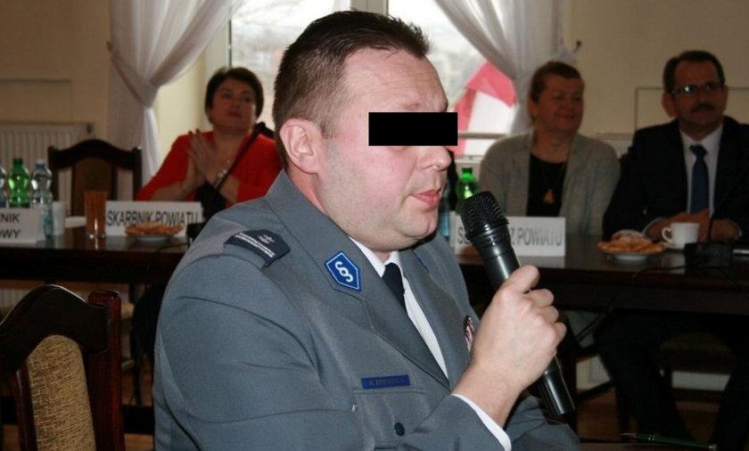 """Były radny klubu PiS aresztowany. Zarzuty są straszne. """"Molestowanie dziecka, pijaństwo"""""""
