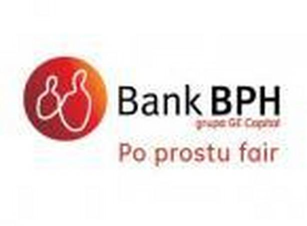 Aktywa razem banku wyniosły 43.51 mld zł na koniec 2012 r. wobec 42.28 mld na koniec 2012 r.