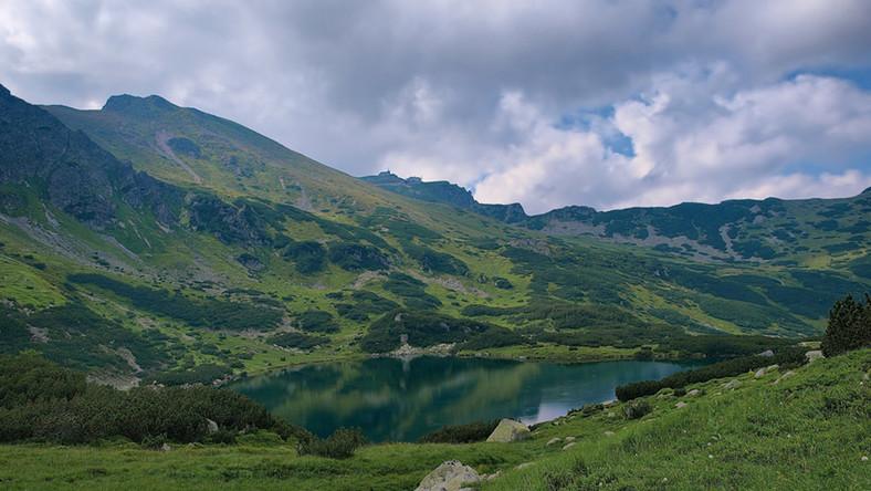 Słowacy znowu wpuszczają turystów w Tatry