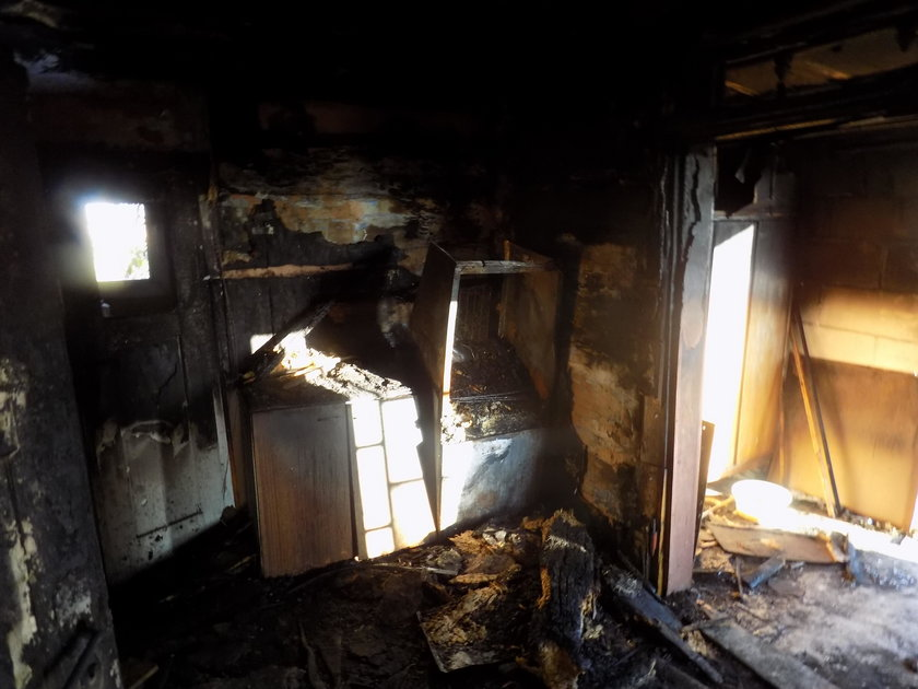 Wyciągnęli rodzinę z ognia