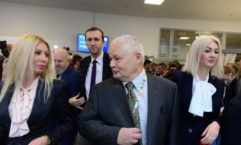 Martyna Wojciechowska i Kamila Sukiennik - współpracowniczki prezesa NBP Adama Glapińskiego
