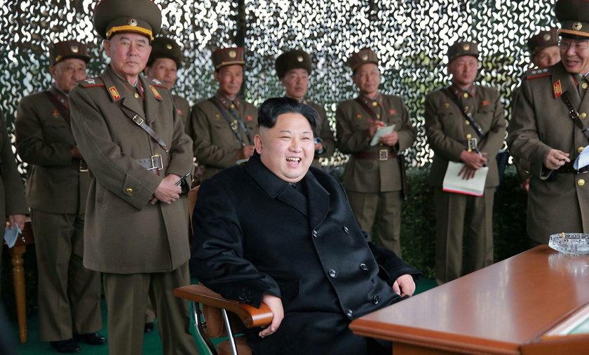 Korea Północna testuje pociski, które mogą przenosić głowicę nuklearną. USA wzywa do działania