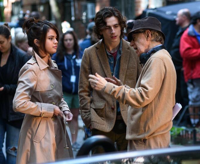 Glumci u razgovoru sa režiserom