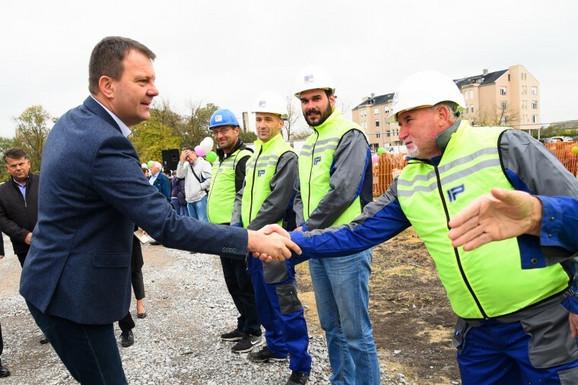 Igor Mirović na postavljanju kamena temeljca za novi vrtić u Šimanovicima