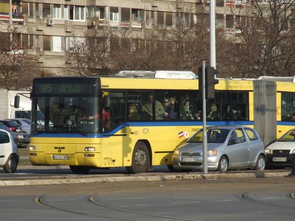 I autobus 95 menja trasu