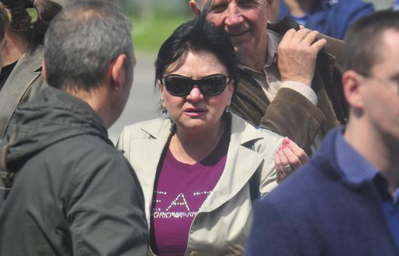 Dragica Tomić  na protestu zaposlenih u Višoj poslovnoj školi
