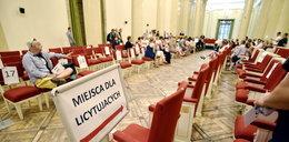 Krzesła z Kongresowej poszły jak świeże bułeczki