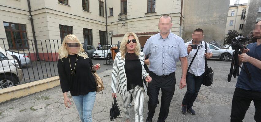Kac morderca, złamany obcas... Dzień rozwodu Beaty Kozidrak obfitował w wiele zaskakujących sytuacji. Mamy niepublikowane WIDEO