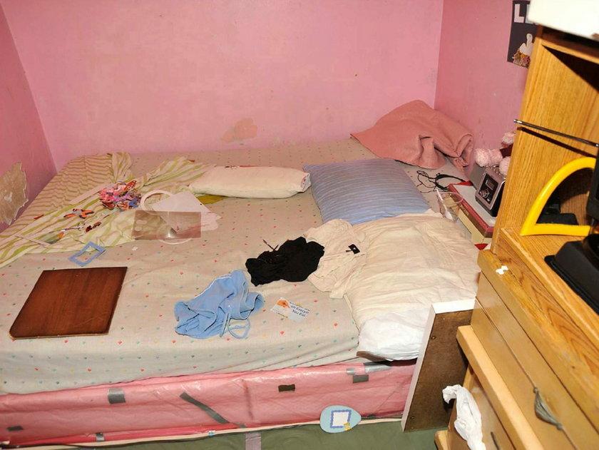 Łóżko jeden z porwanych kobiet