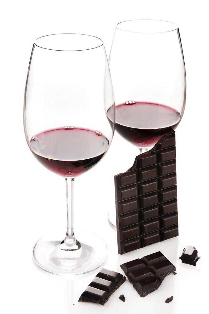 Iako većina ljudi u čokoladi pronalazi krivca, alkohol, a pogotovu vino, najveće je iskušenje
