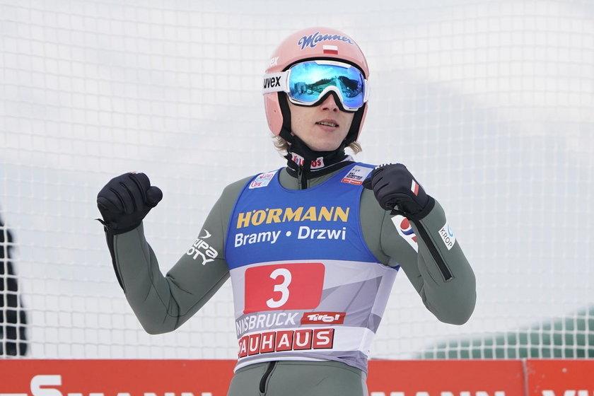 Dawid Kubacki potrafi latać nie tylko na skoczni narciarskiej