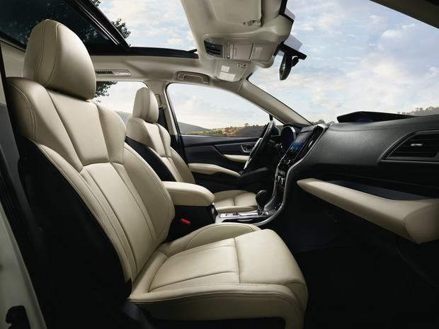 Jak się porównywać to tylko do najlepszych. Subaru twierdzi, że w kabinie jest więcej przestrzeni niż w Maździe CX-9