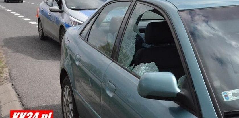 Kierowca postrzelony w szyję. Wiózł żonę i wnuczkę