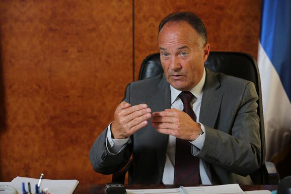 Ministar prosvete šalje inspekciju