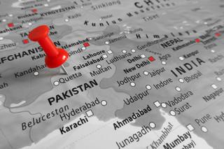 Pakistan: 10 osób zginęło w zderzeniu ich samochodu z ciężarówką