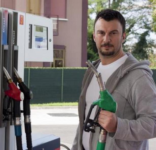 Niestety tydzień na rynku hurtowym kończymy wzrostem cen benzyn i oleju napędowego