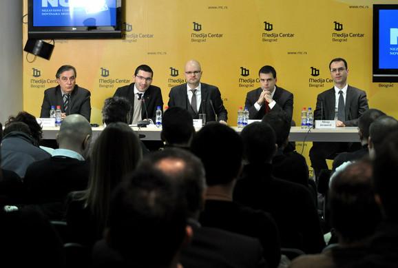 Optimisti: Predstavnici Treće Srbije na konferenciji za novinare
