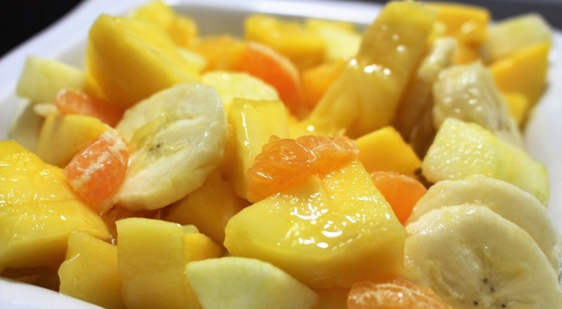 How to make tropical fruit salad