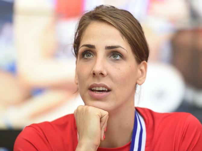 Zlatna devojka Tijana Malešević